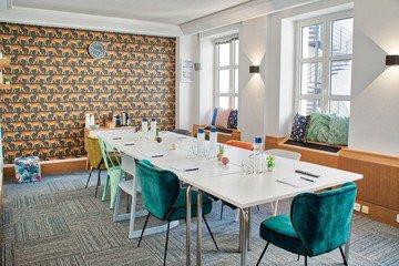 Paris Salles de formation  Salle de réunion Deskeo Saint Honoré 502 CA image 8