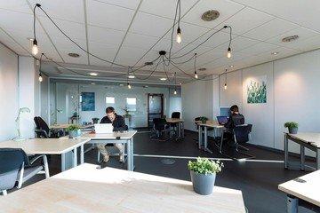 Köln  Coworking Space Lichtdurchfluteter Meeting-Raum in Köln image 2
