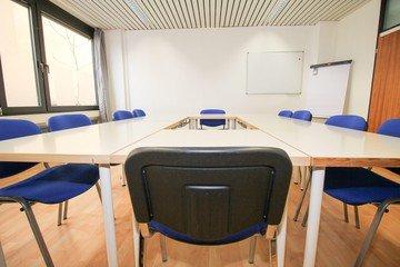 Stuttgart  Meeting room Semianrraum loerntspace HBF image 0
