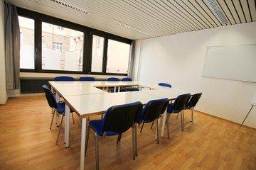 Stuttgart  Meeting room Semianrraum loerntspace HBF image 3