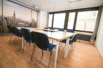 Stuttgart  Meeting room Semianrraum loerntspace HBF image 6