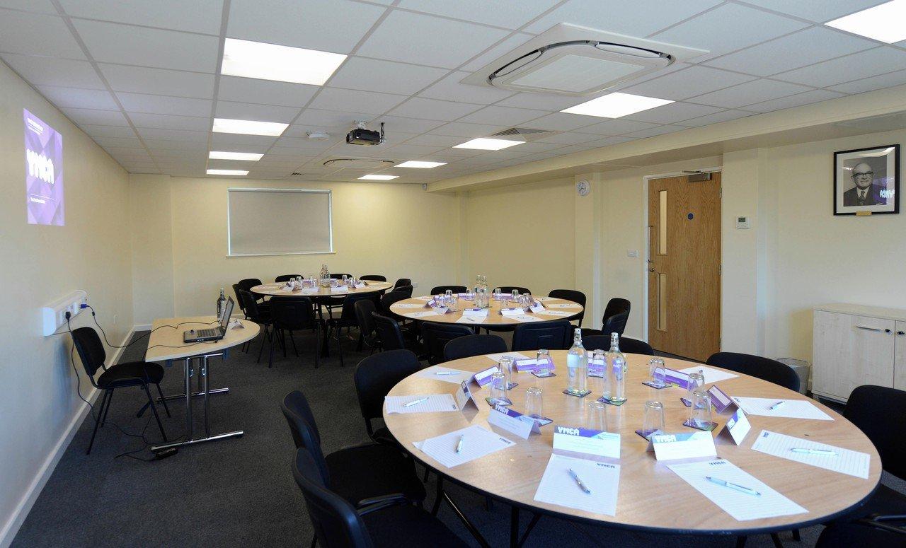 Birmingham conference rooms Salle de réunion YMCA - Featherstone Room image 0