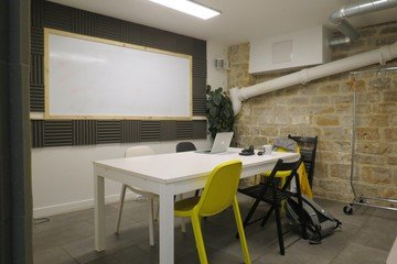 Paris  Espace de Coworking Classroom image 1