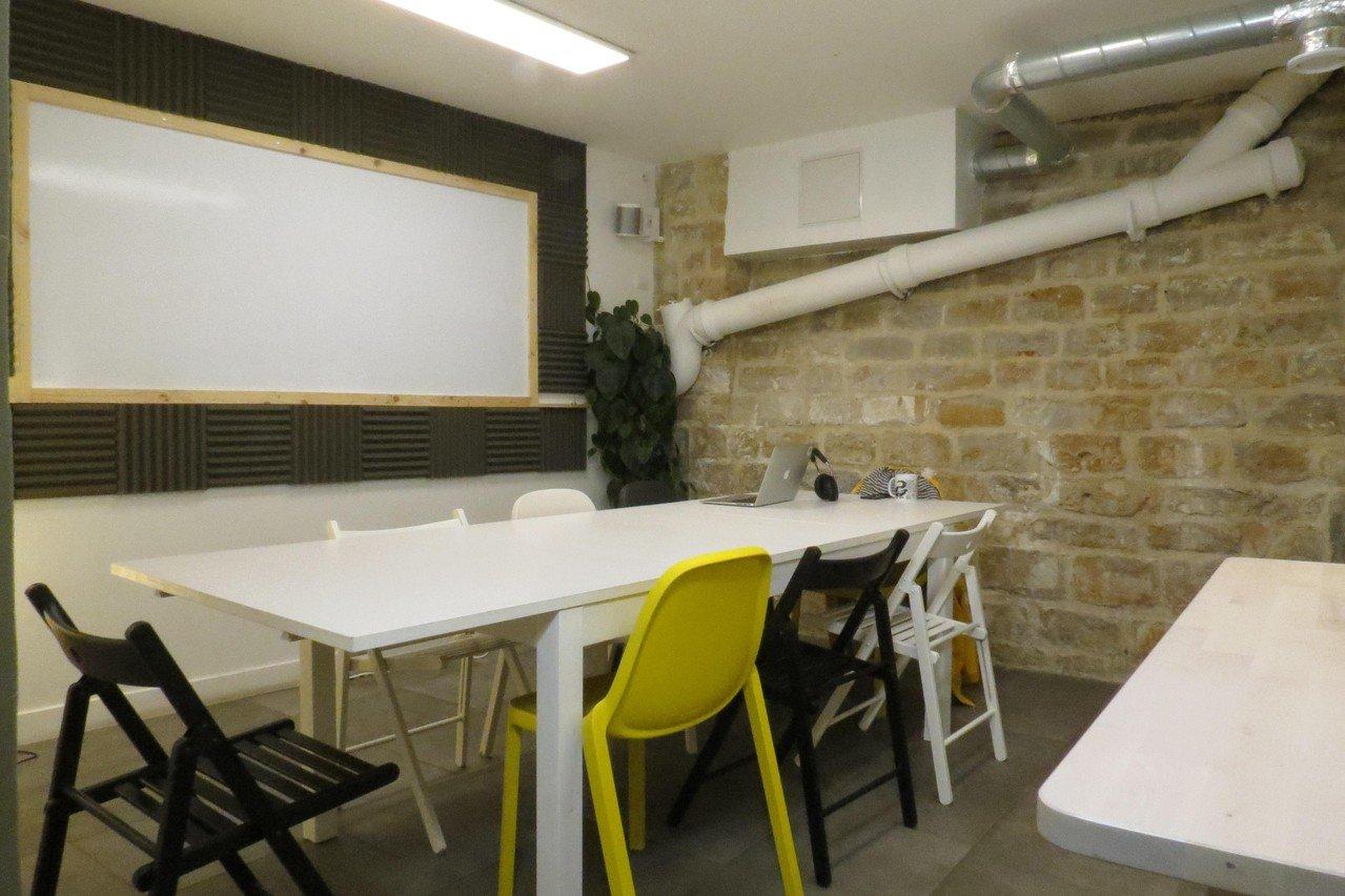 Paris  Espace de Coworking Classroom image 0