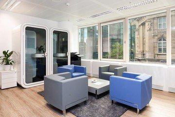 Frankfurt  Coworking space Hochwertiger und funktionaler Meetingraum bei WorkRepublic image 2