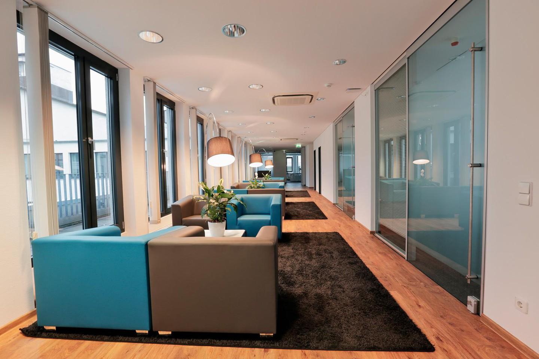 Francfort  Espace de Coworking Hochwertiger und funktionaler Meetingraum bei WorkRepublic image 3