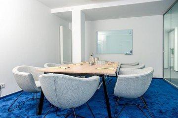 Hamburg   Hochwertiger und funktionaler Meetingraum bei WorkRepublic image 0