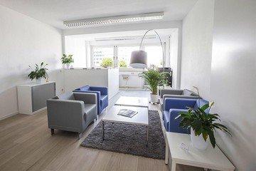 Mannheim  Coworking space Hochwertiger und funktionaler Meetingraum bei WorkRepublic image 1