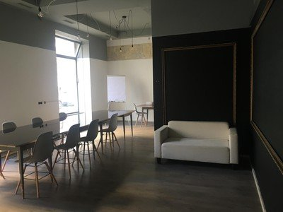 Vienna workshop spaces Meeting room Creative and bright workshop room within a stylish Viennese Café image 4