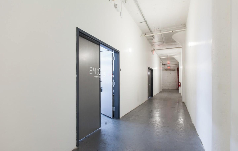 NYC  Lieu industriel 24:OURS Creative Studios image 0