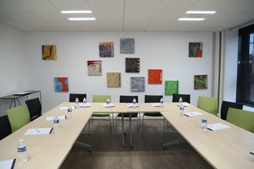 Rest of the World  Meeting room Salle Foch - 20p. image 1