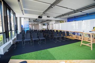 München Eventräume Meetingraum smartvillage - Raum Wetterstein image 0