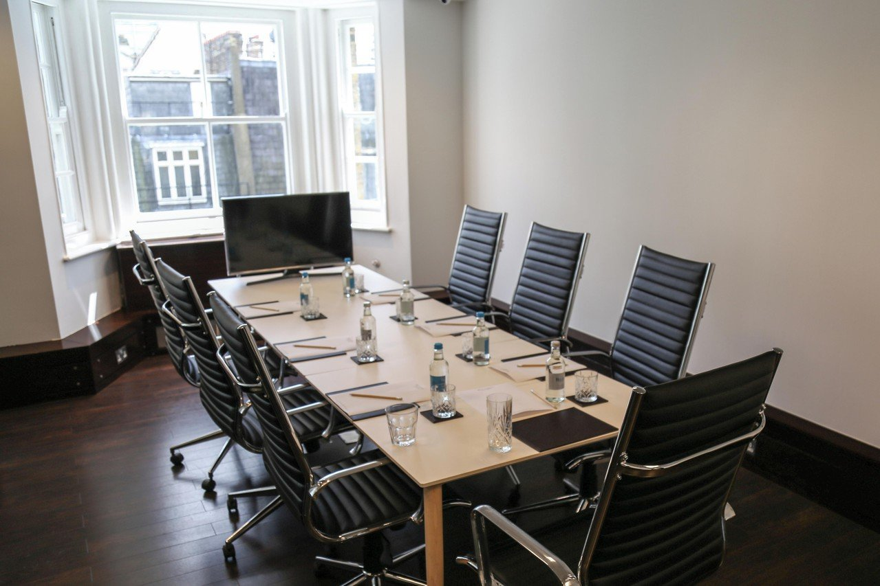 London workshop spaces Meeting room St james's boardroom image 0