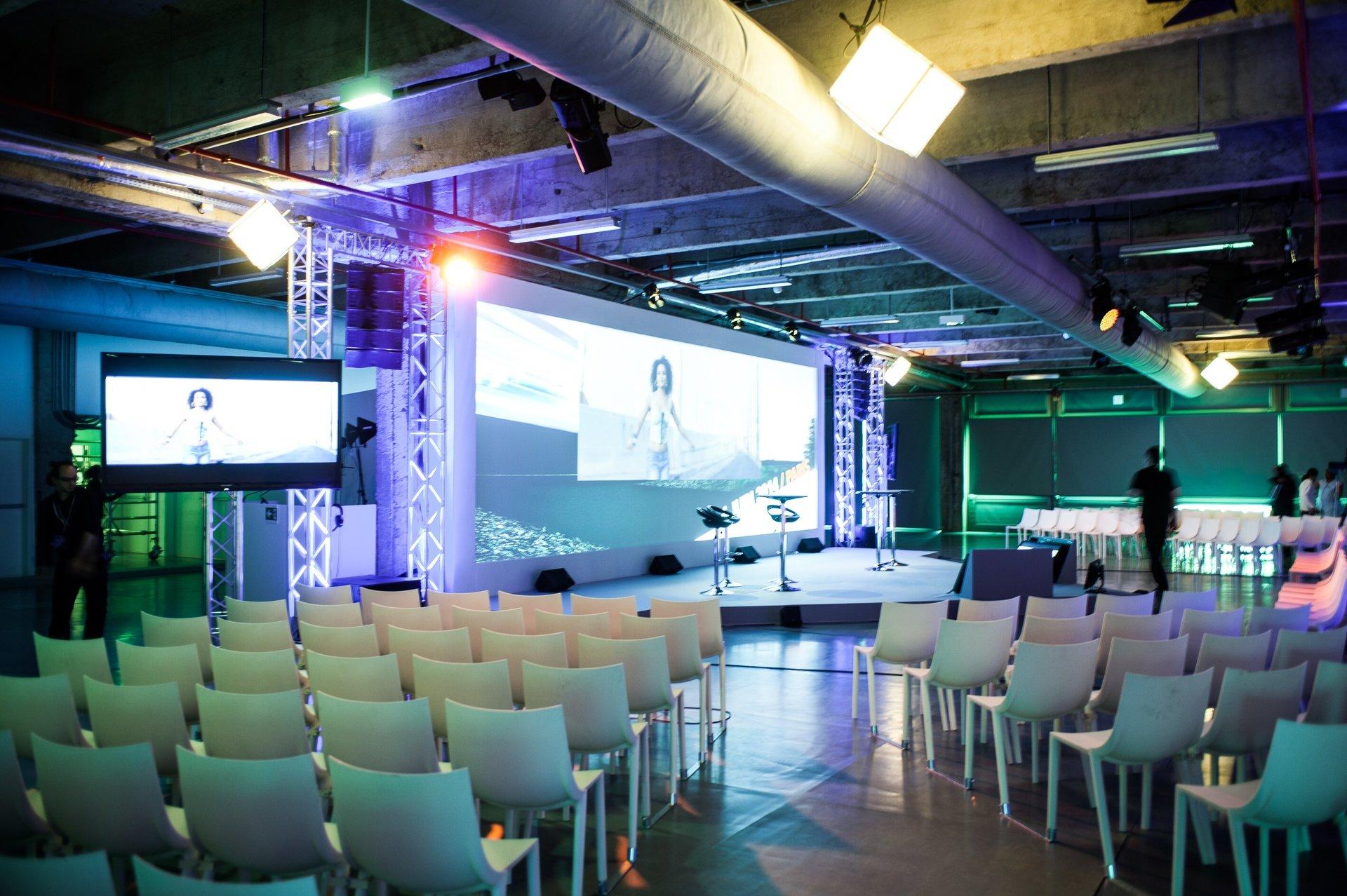 Paris corporate event venues Partyraum Les Docks - Le Grand Foyer image 0