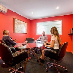 Brisbane conference rooms Salle de réunion Scarborough Business Centre - Red Meeting Room image 0