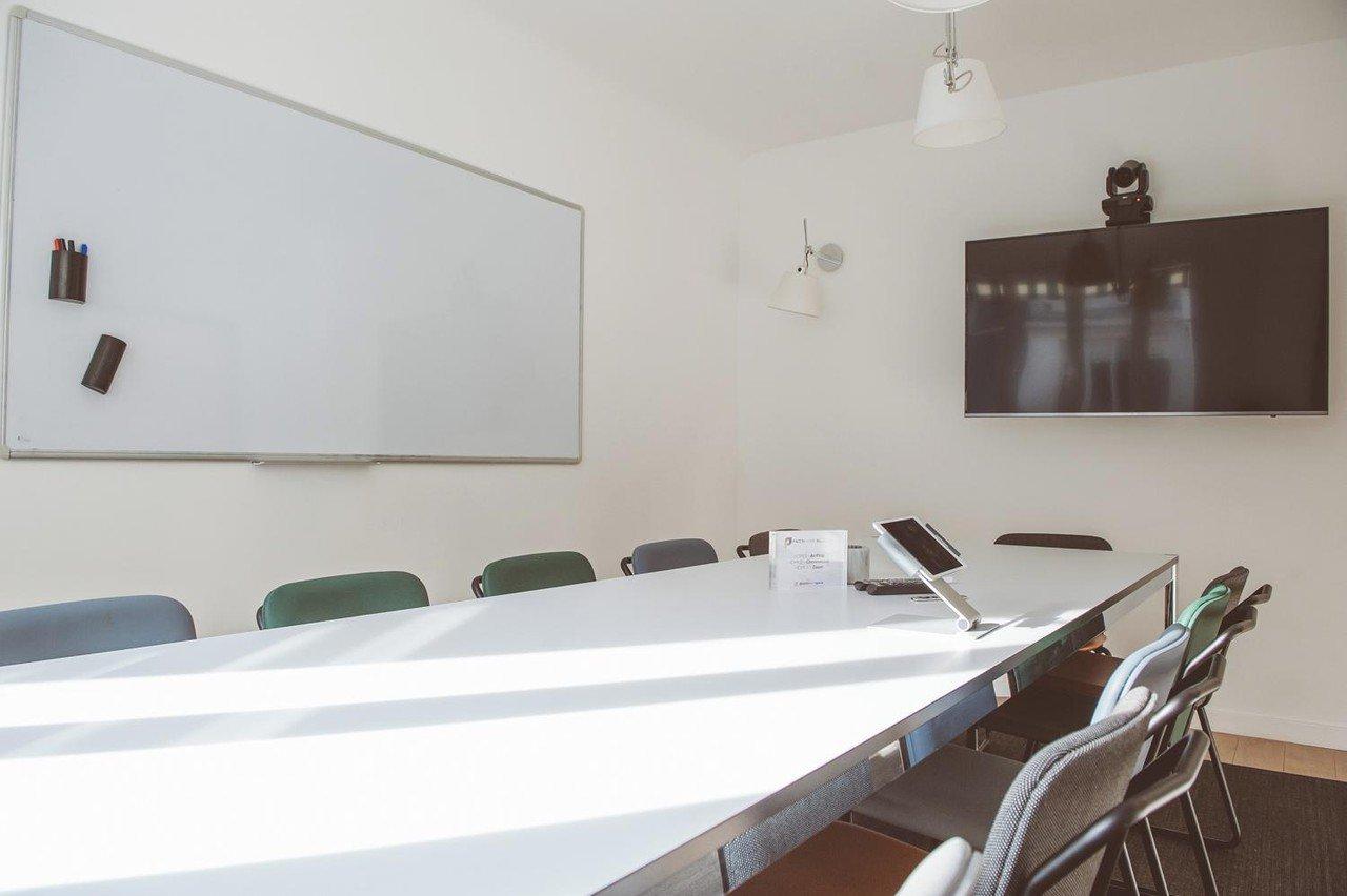 Paris  Meetingraum Salle de Réunion pour 12 pers. à Porte Maillot image 0
