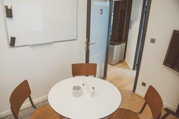 Paris  Meeting room Salle d'entretien pour 4 personnes près du Palais des Congrès image 1