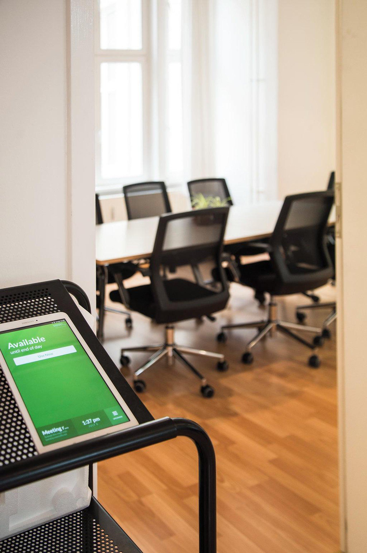 Berlin  Coworking space Belziger Strasse - Meeting room image 4