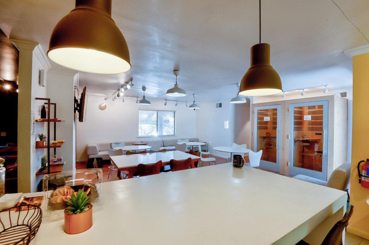 San Jose seminar rooms Meeting room One Piece Work - Relaxed Semi Private Workshops Space image 4