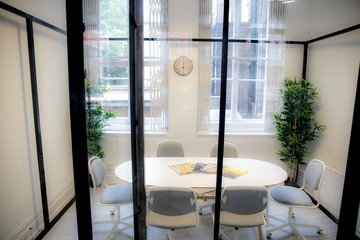 London   Endless Office image 0