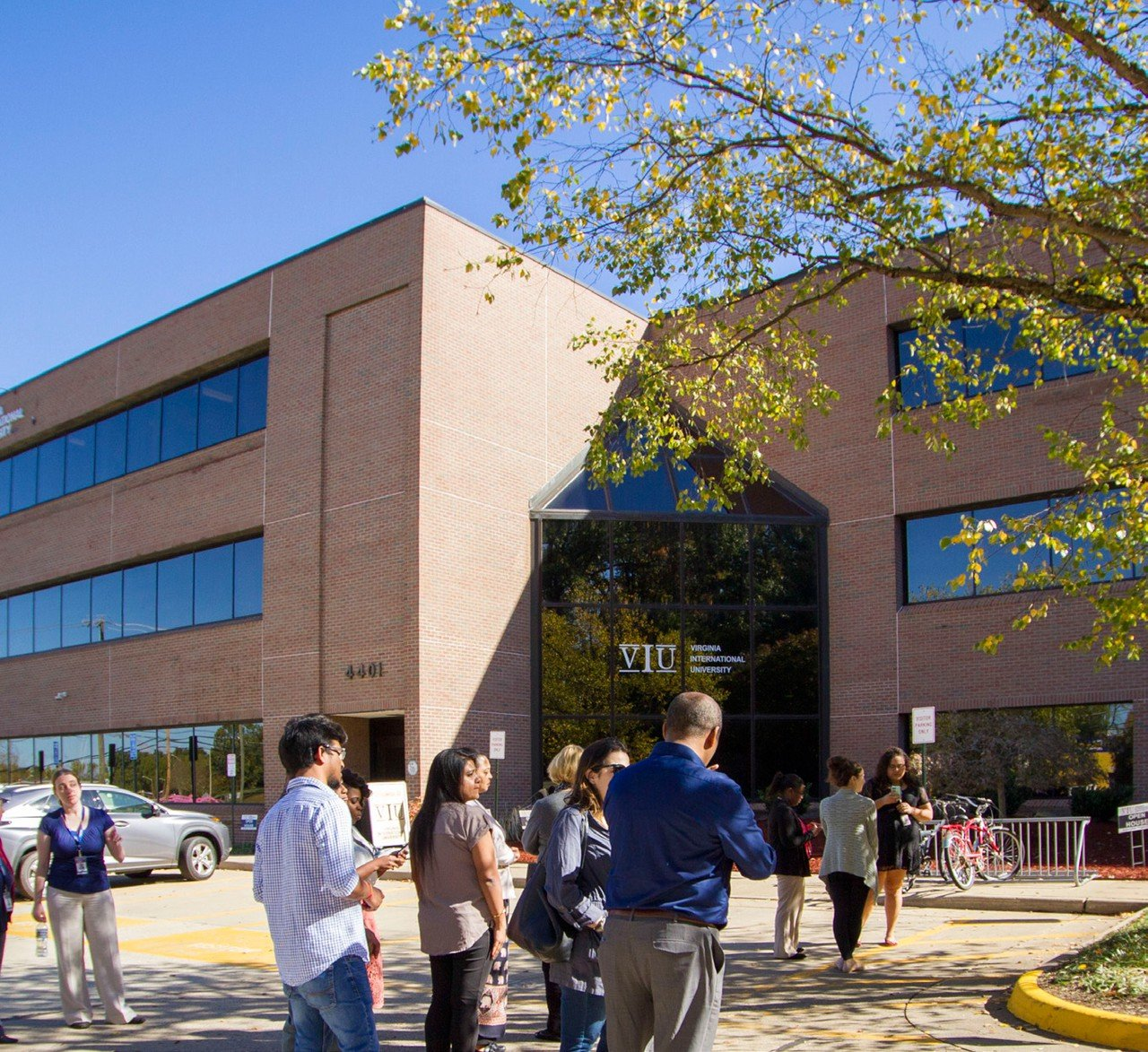 Rest der Welt  Meetingraum Virginia International University image 0
