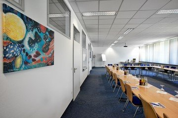 München seminar rooms Meetingraum Hyperion München Siriusfacilities image 0