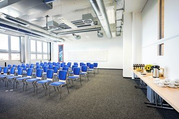 München seminar rooms Meetingraum Dione München Siriusfacilities image 3