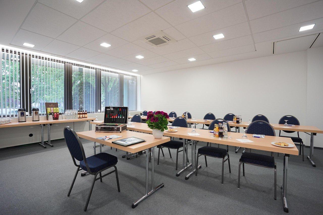 Frankfurt am Main seminar rooms Meetingraum Calypso München Siriusfacilities image 1