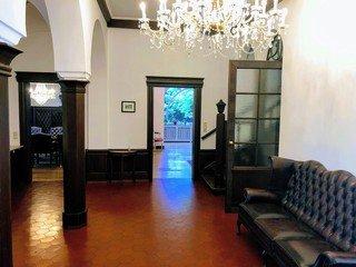 Köln  Historische Gebäude Villa am Rhein image 14