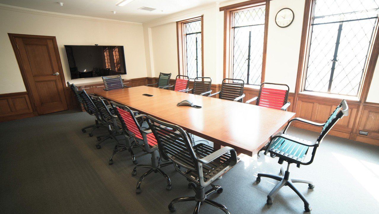 Sunnyvale conference rooms Meetingraum Hero City Themyscira Room image 0