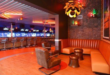 NYC corporate event venues Partyraum Bowlero Mar Vista #264(CA) image 1