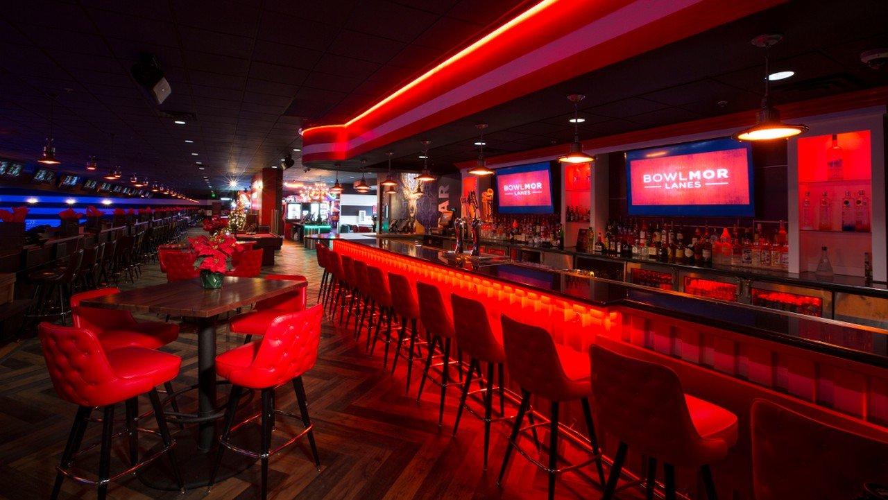Rest der Welt corporate event venues Partyraum Bowlmor Houston Lane #391 (CA) image 0