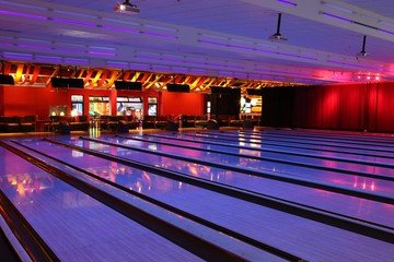 Rest der Welt corporate event venues Partyraum Bowlmor Cupertino #705(CA) image 0