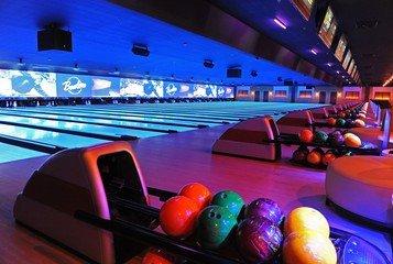 NYC corporate event venues Partyraum Bowlmor Queens Lanes #210 (CA) image 0