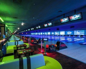 Rest der Welt corporate event venues Partyraum Bowlero Woodland Hills #270(CA) image 2