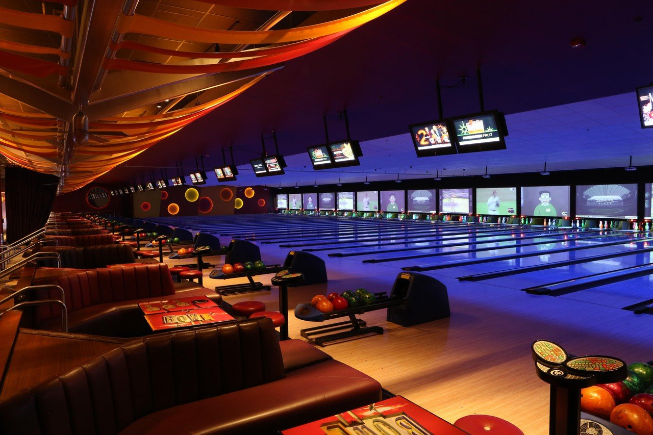 Rest der Welt corporate event venues Partyraum Bowlmor Cupertino #705(CA) image 1