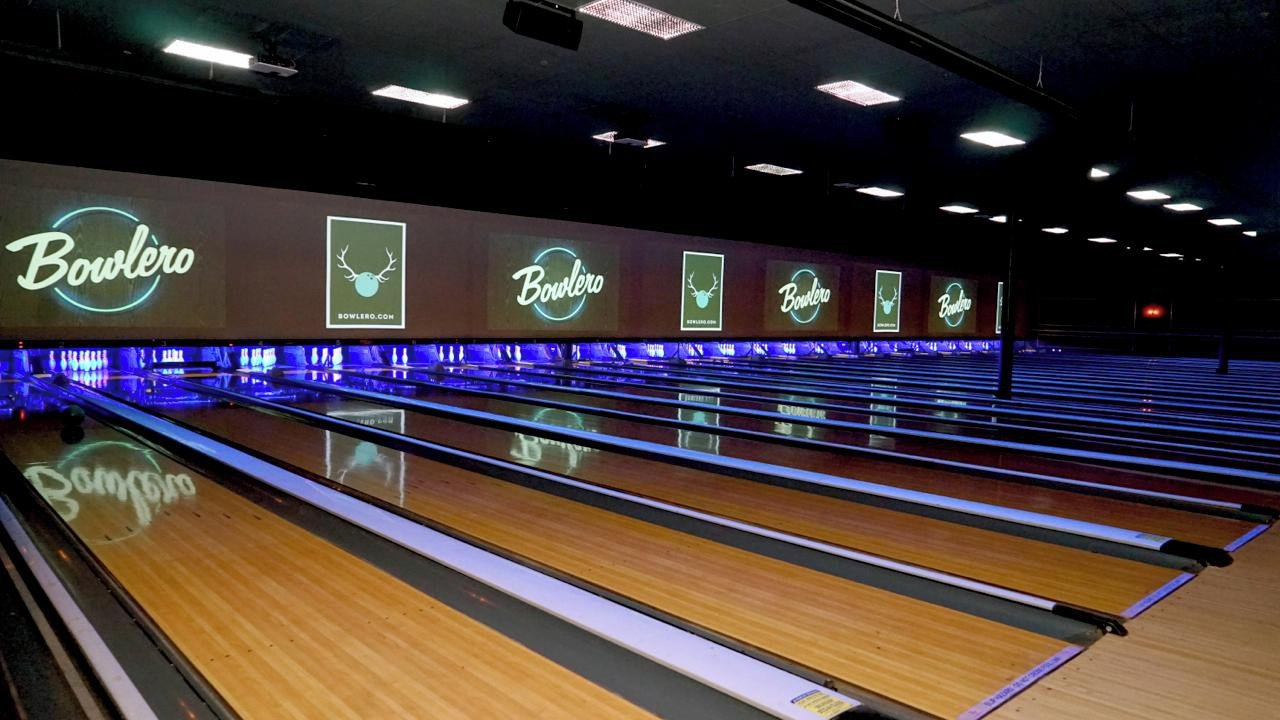 Rest der Welt corporate event venues Partyraum Bowlero  San Antonio 155 CA image 0