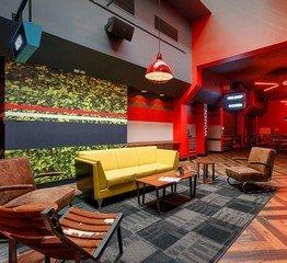 Rest der Welt corporate event venues Partyraum Bowlero  Fresno Lanes 218 CA image 3