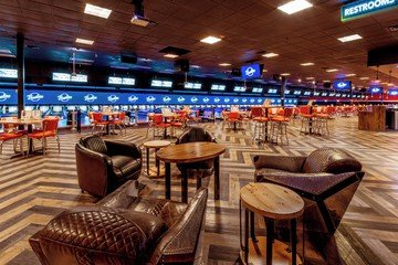Rest der Welt corporate event venues Partyraum Bowlero Euless Lanes 557 CA image 1