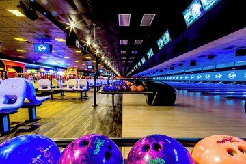 Rest der Welt corporate event venues Partyraum Bowlero Euless Lanes 557 CA image 2