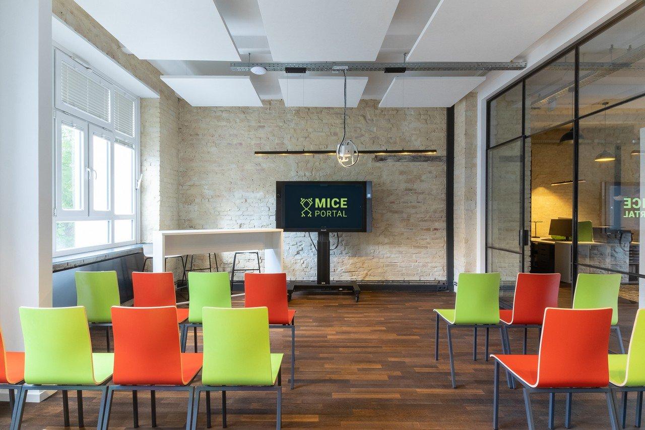 Berlin  Meetingraum Meetingroom and Eventspace Loft Style image 1