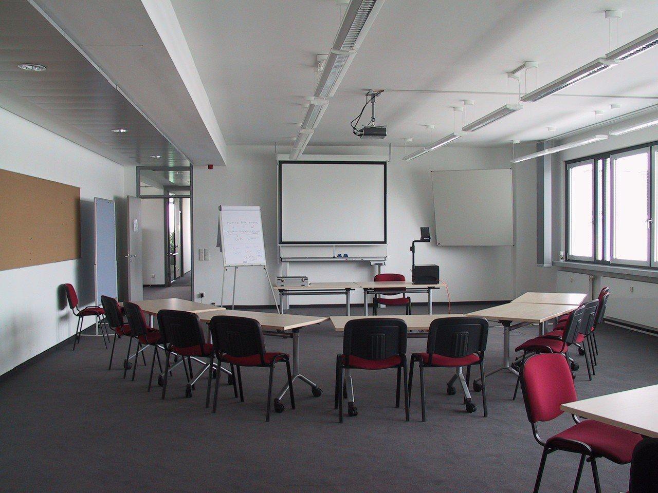 Nürnberg Seminarräume Meetingraum GIB Institut Plenarraum (1) image 0