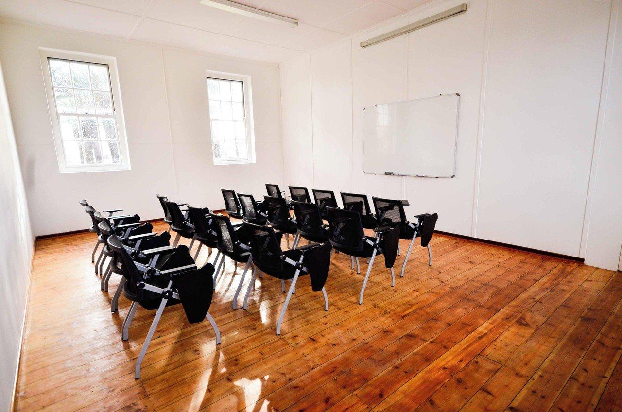 Le Cap training rooms Espace de Coworking Classroom image 1