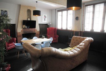 London   Augustine Hall - The Lounge image 1