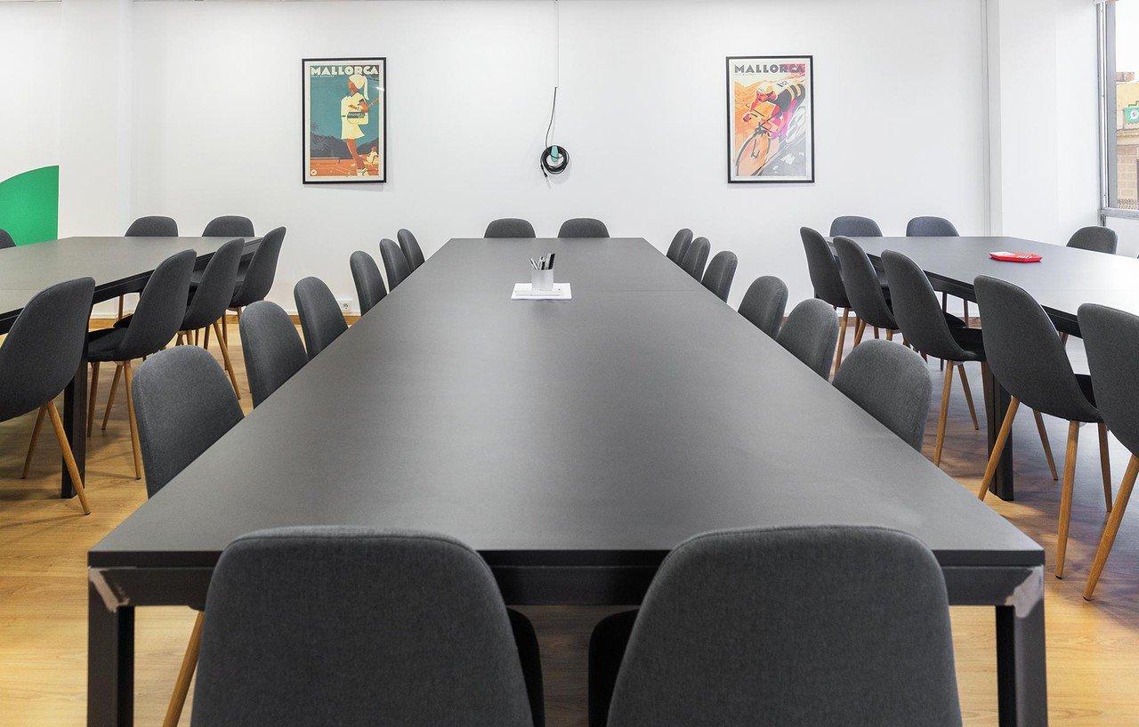 Barcelona  Meeting room Sheltair Pau Clarís image 2