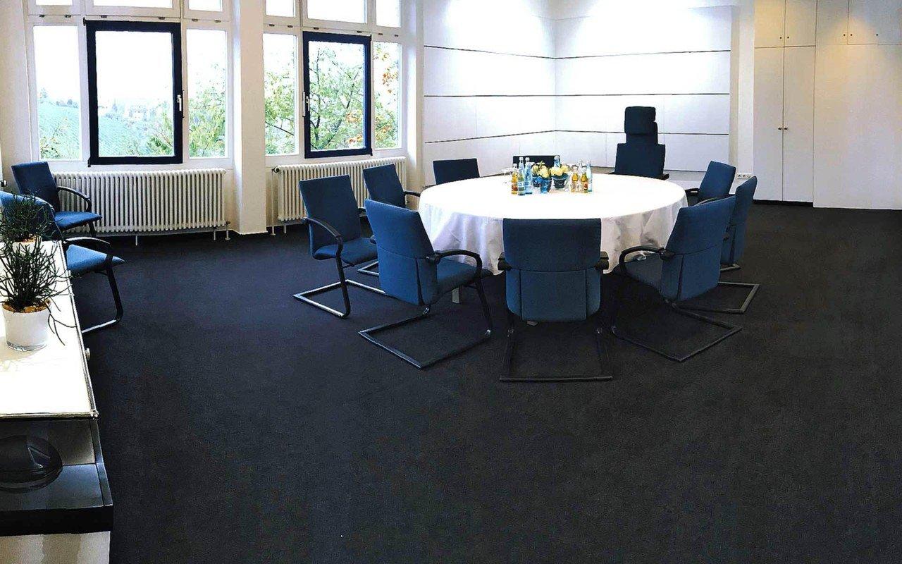 Stuttgart training rooms Salle de réunion Lumineuse salle de séminaire image 0