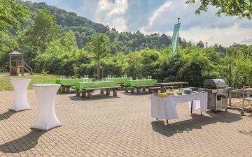 Stuttgart  Grünfläche Marienburg - Raum für Veranstaltungen image 1