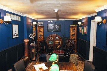 """Londres  Salle de réunion The Study at """"The Little Blue Door"""" image 2"""