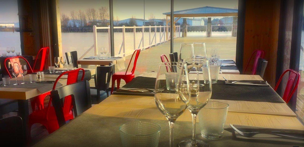 Autres villes workshop spaces Restaurant Restaurant Estacade image 6