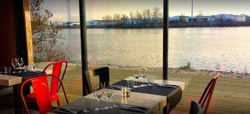Autres villes workshop spaces Restaurant Restaurant Estacade image 8